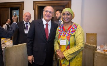 Alckmin recebe diplomatas de 45 países em café da manhã