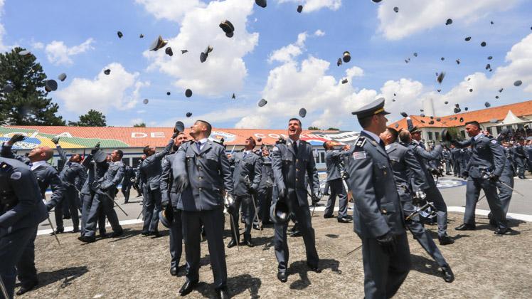Barro Branco forma 229 aspirantes a oficiais da Polícia Militar de São Paulo