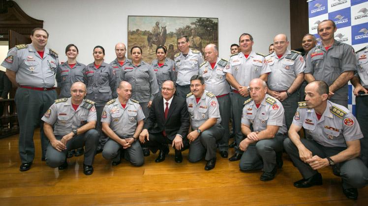 Bombeiros de SP vão formar voluntários para atendimentos de emergência