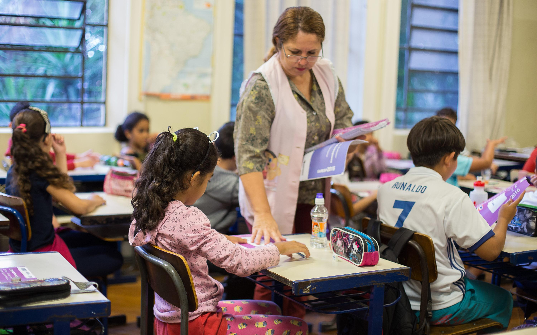 Resultado de imagem para Professores do Estado recebem reajuste salarial