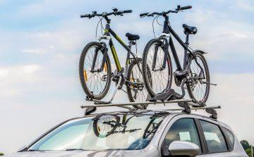 Detran.SP orienta sobre transporte de bicicletas e pranchas no veículo