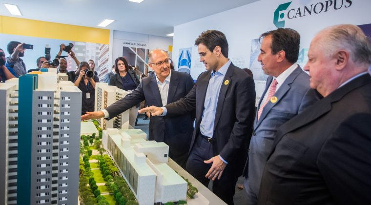 Começa a construção de conjunto habitacional no centro de São Paulo