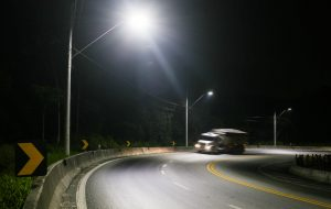 Alckmin inaugura iluminação do trecho de serra da Tamoios