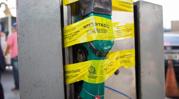 Governo de SP e Prefeitura fiscalizam postos de combustíveis na capital