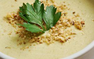 Receitas práticas e saudáveis não deixam dúvidas: sopa é janta, sim!