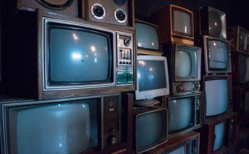 Etecs de SP recebem descarte de TVs antigas