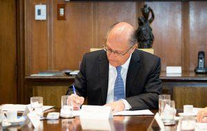 Alckmin assina autorização para licitação de obras de restauração e melhorias na SP-207