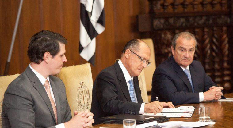 Alckmin assina nomeação de 1.118 agentes para as polícias Civil e Técnico-Científica