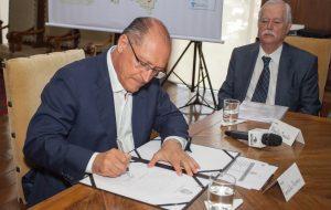 Alckmin autoriza retomada das obras de duplicação da SP-304