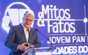 Governador participa do primeiro Fórum Mitos & Fatos