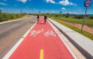 Neste feriado, aproveite para pedalar nos parques com ciclovias