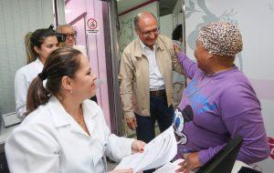 Carreta da mamografia chega a Piquete