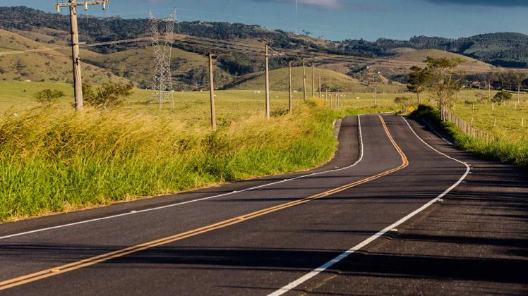 Caçapava recebe obras de melhorias na rodovia SP-103, na ligação até Jambeiro
