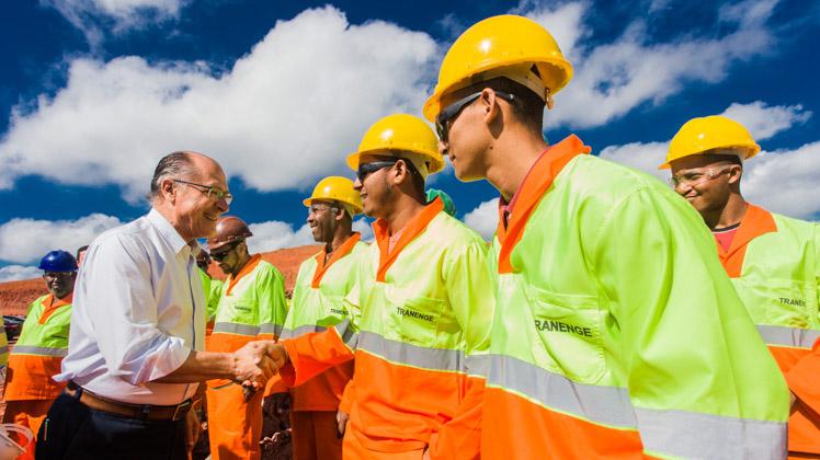 Ampliação da rodovia Carvalho Pinto tem mais de 50% das obras concluídas