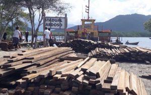 Sob ameaça, vilarejo da Ilha do Cardoso recebe ajuda da Dersa