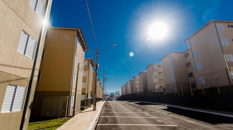 Famílias de Piracicaba recebem720 moradias populares do Casa Paulista
