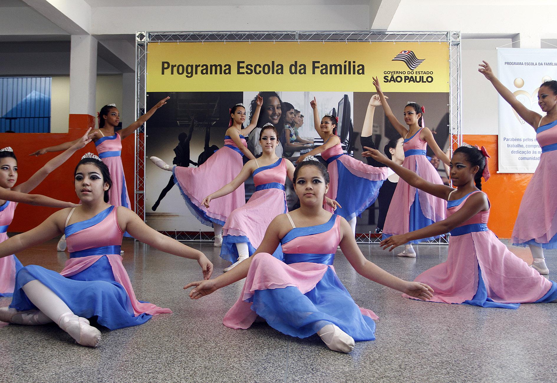 19e833bda1 DownloadGoverno do Estado de SP. Alunos encantam os colaboradores durante  apresentação do Programa Escola da Família