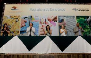 285 convênios e protocolos são assinados em parceria entre o Fundo Social e municípios