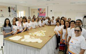 Escola de Moda do Palácio dos Bandeirantes recebe visita da presidente do Fundo Social