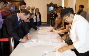 Governo autoriza R$ 9,7 milhões para 62 municípios; Saúde é prioridade