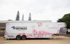 Chavantes é beneficiada com Centro do Idoso e carreta da mamografia