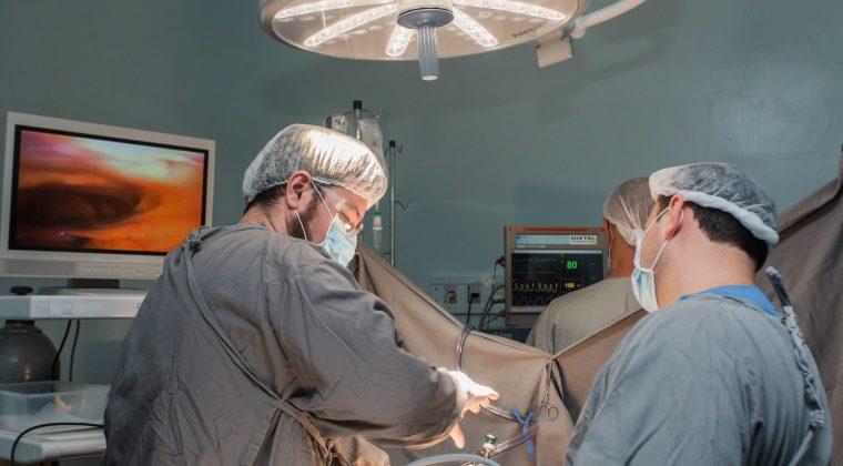 Força-tarefa opera 74 pacientes no Centrinho, em Bauru