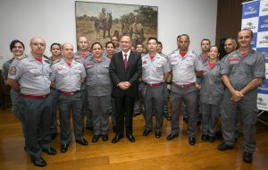 Alckmin regulamenta Sistema de Atendimento dando mais eficiência aos bombeiros