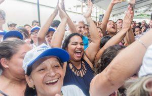 No aniversário de Santos, população ganha moradias e creche escola
