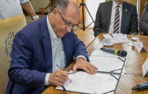 Governo estadual autoriza transferência de prédios para a USP