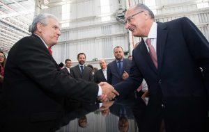 Governador acompanha anúncio de investimento da GM