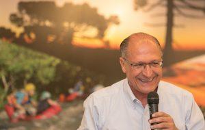Alckmin se reúne com prefeitos de 70 estâncias turísticas