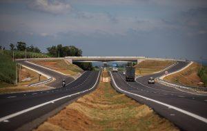 Governo inaugura trechos duplicados nas rodovias SP-300 e SP-127