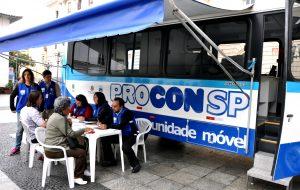 Unidade móvel do Procon-SP atende em São Sebastião
