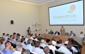 Governo do Estado apoia iniciativas de produtores de frutas cítricas