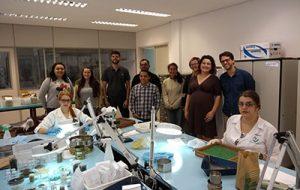 Universitários visitam órgão da Secretaria de Agricultura