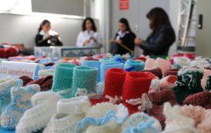 Tricoteiras do Poupatempo: exemplo de dedicação e amor ao próximo