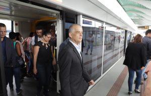 Estações do VLT em Santos recebem visita técnica