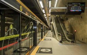 Estações da Linha 4-Amarela do Metrô recebem exposições culturais em agosto