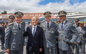 Governador Márcio França participa de outorga Medalha Brigadeiro Tobias