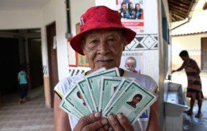 Em Bertioga, Poupatempo emite RGs para comunidade indígena