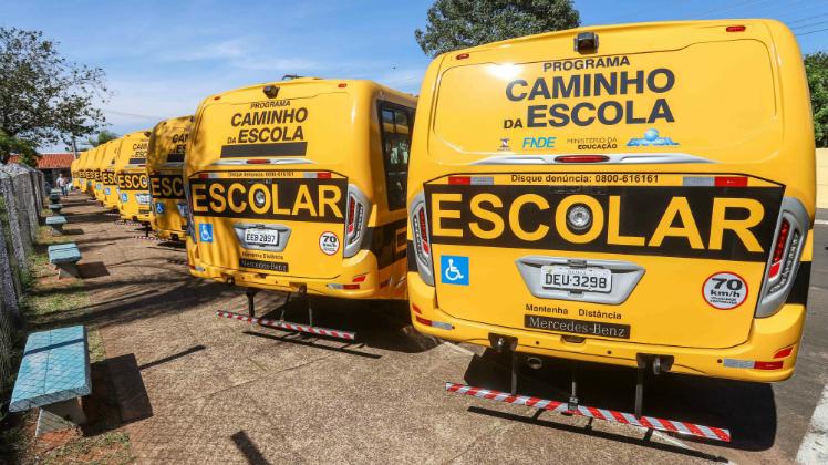 Estado investe na compra de ônibus escolares para 102 municípios