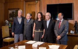 SP e Sabesp assinam contratos com Aguaí, Terra Roxa e Assis