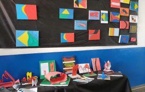 Escola estadual de Guarulhos presta homenagem a Tomie Ohtake
