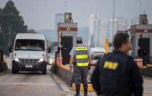 """Operação """"Rodovia mais Segura"""" mobiliza18.418 policiais militares"""