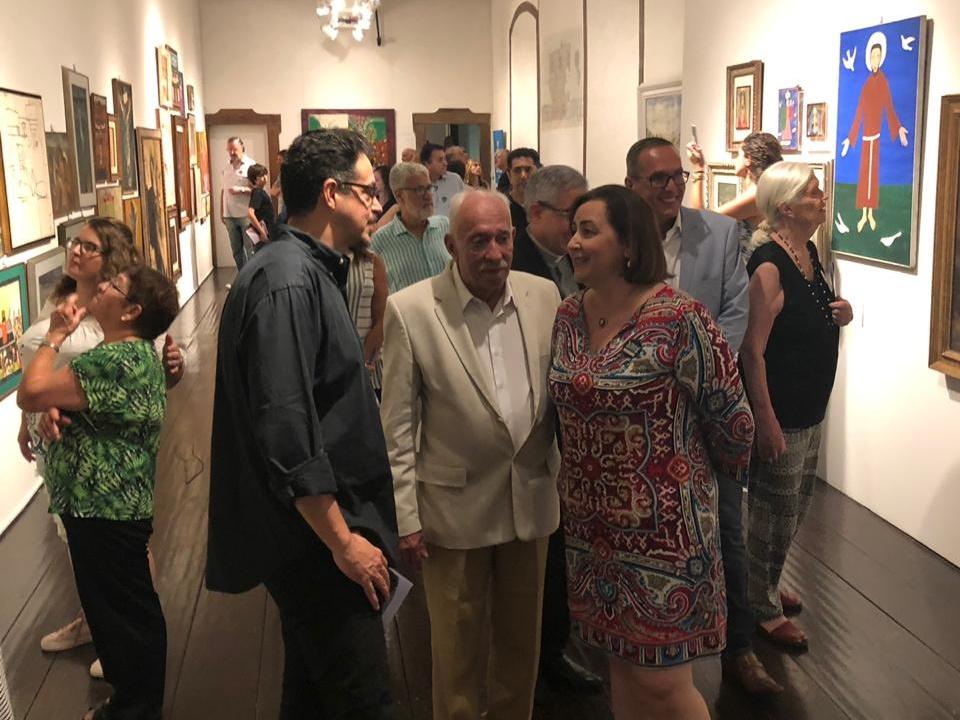 """Sérgio Sá Leitão, José Carlos Marçal de Barros e Bianca Boeckel na exposição """"O-Sagrado na Arte Moderna"""" no Museu de Arte Sacra."""