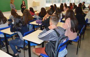 Educação de SP promove dinâmica com estudantes e professores