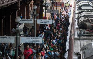 Transportes Metropolitanos reforça operação nos trilhos para Carnaval