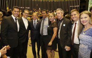 Em Brasília, governador prestigia posse de deputados e senadores