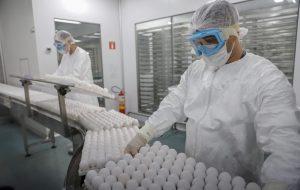 SP começa a produzir lote de 18 milhões de doses da Butanvac, com produção nacional