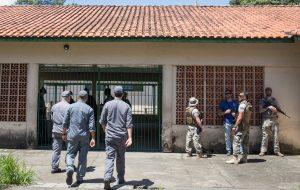 Escola Raul Brasil reabre com acolhimento a funcionários